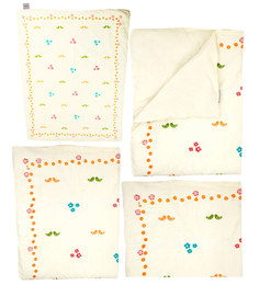Cocobee Offwhite Doves And Flower Print Baby Quilt In White Colour